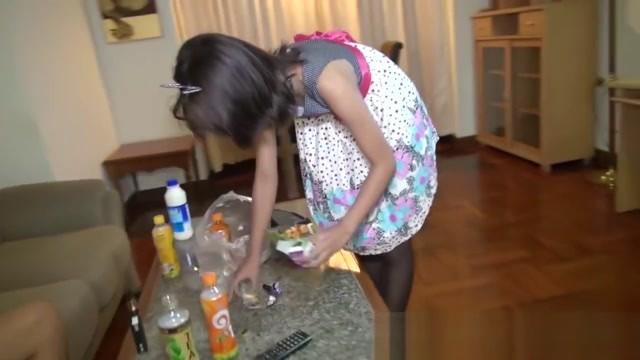 Clean Living Thai Slum Bird Has Bottom Pentrated