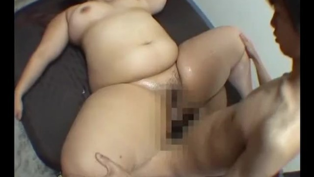 Thigh fetish doll
