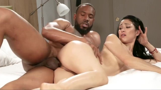 Amateur Exotic Interracialed at 1st Casting!